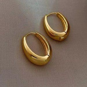 Oval shape Hoop earrings